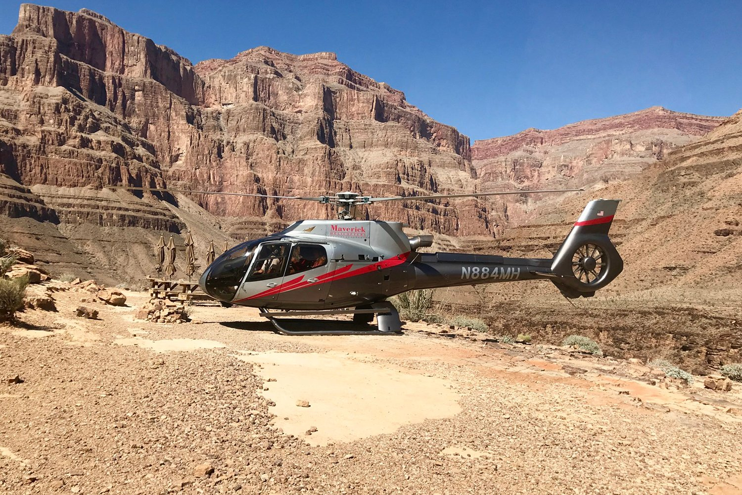 Grand Canyon tour with Maverick Helicopters