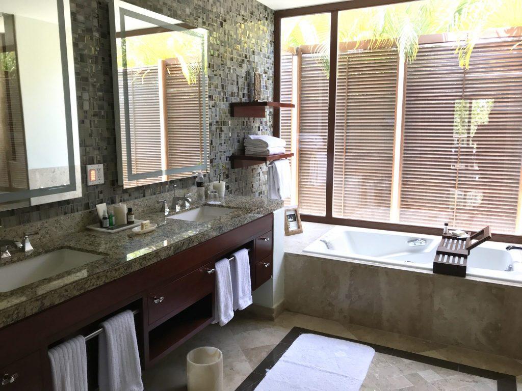 Fairmont Hotel Mayakoba casita master bathroom