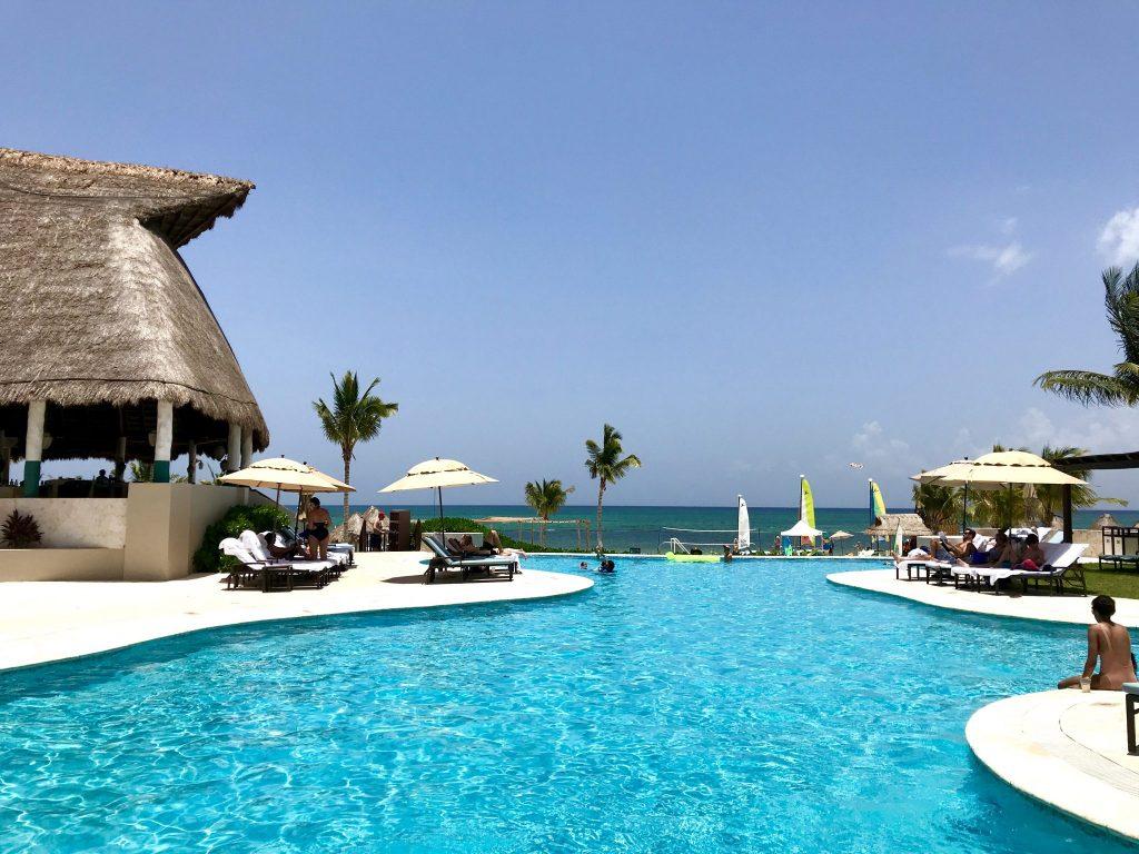 Fairmont Hotel Mayakoba beach pool