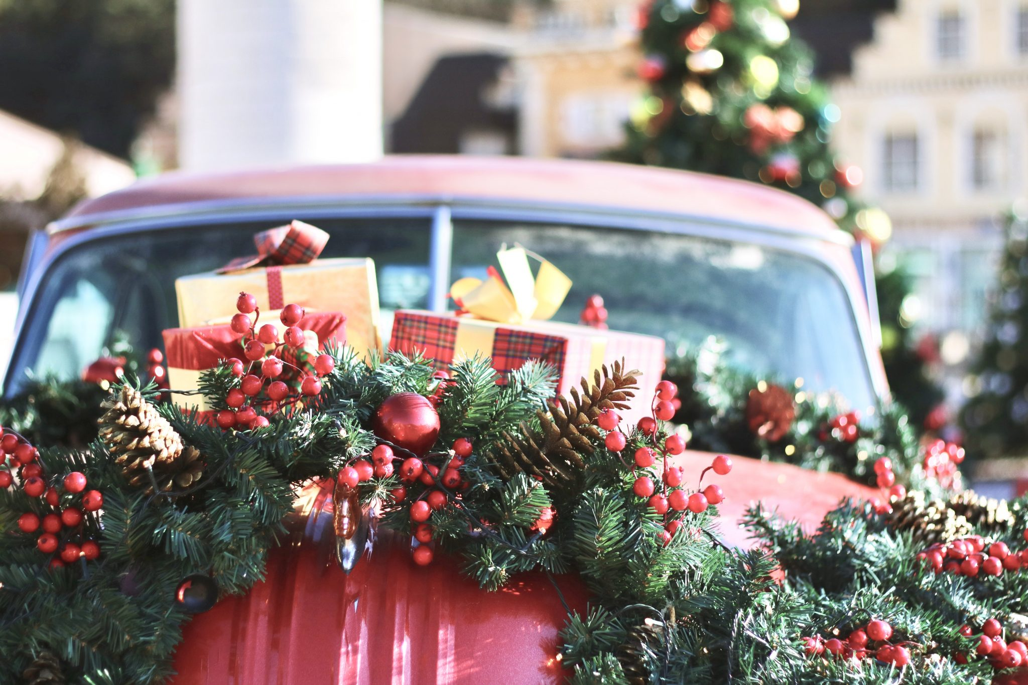 car with Christmas presents