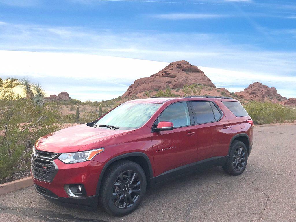 Chevrolet Traverse with desert background in Tempe Arizona