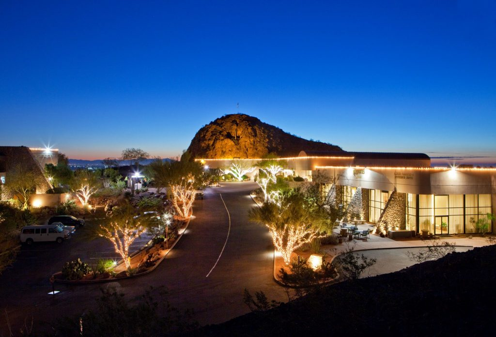 front drive Phoenix Marriott Resort Tempe at The Buttes