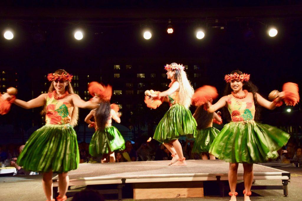 hula dancers Hilton Hawaiian Village