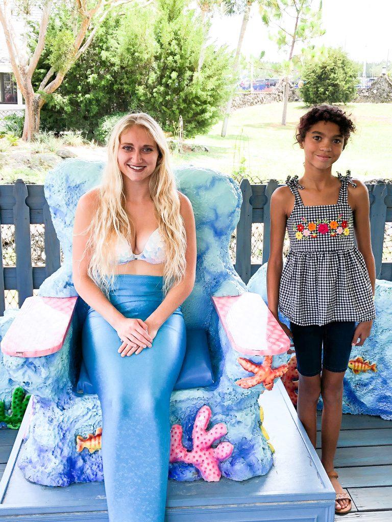 Mermaid and girl at Weeki Wachee Springs