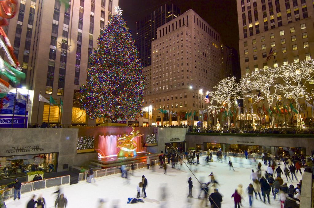 New York, Usa - January 2, 2008: tourists and skaters in the famous Rockefeller Center during the Christmas holidays.