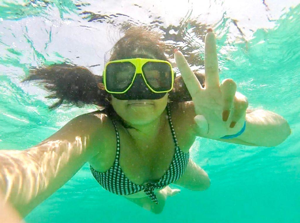 girl snorkeling in Aruba