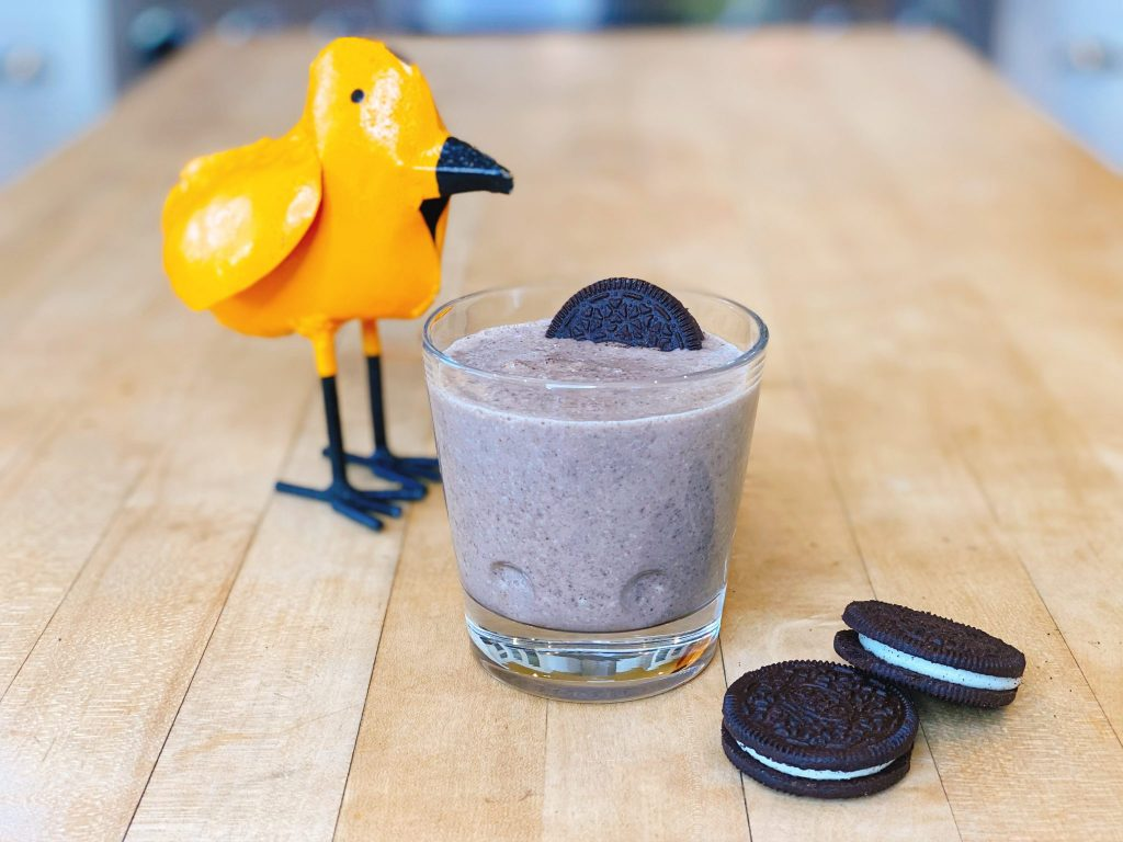 Cookies & Cream Smoothie made with Oreo Cookies