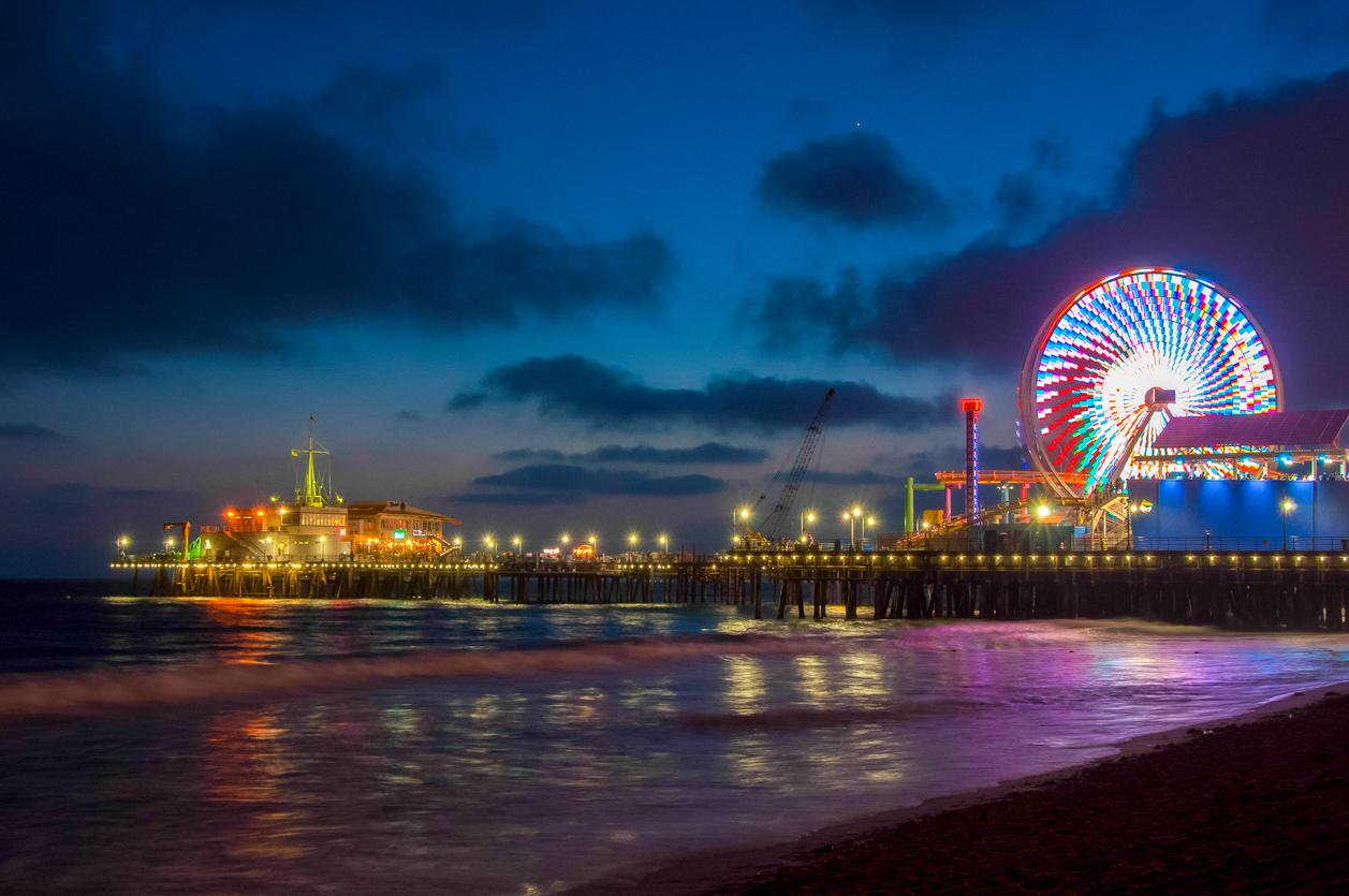 Night Los Angeles, Ferris Wheel in Santa Monica. California USA